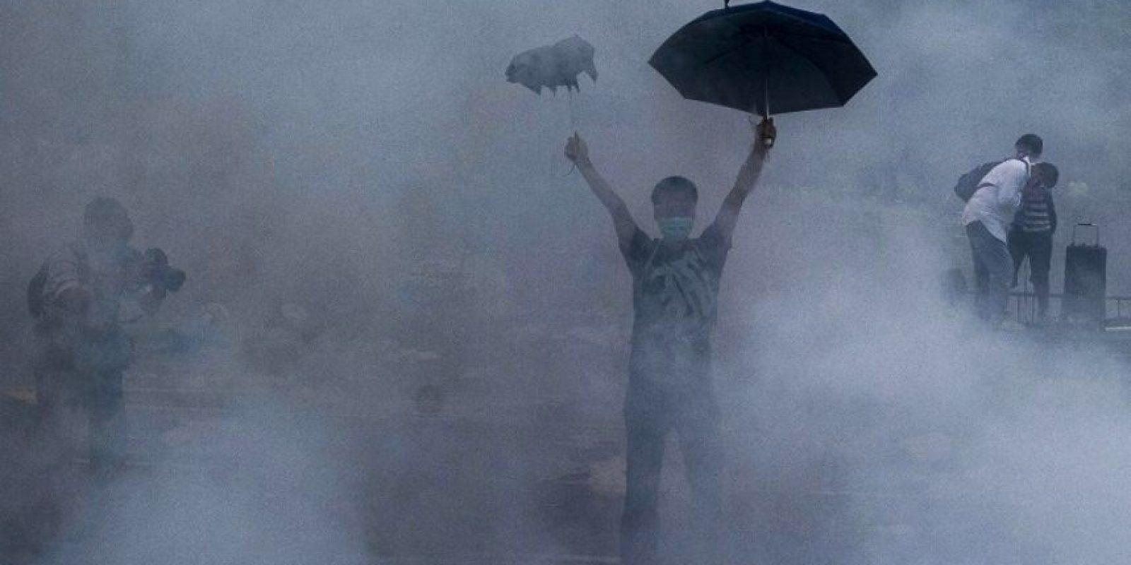 Umbrella Man Foto:AFP