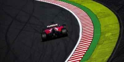 El piloto español de Fórmula Uno Fernando Alonso, de Ferrari, participa en la segunda sesión de entrenamientos libres para el Gran Premio de Fórmula Uno de Japón en el circuito de Suzuka (Japón) hoy, viernes 3 de octubre de 2014. EFE