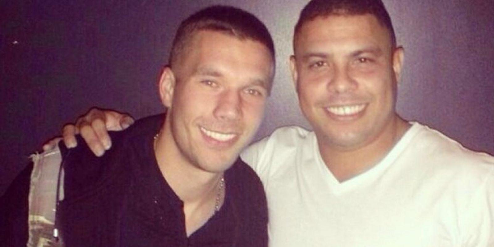 Aquí al lado de Ronaldo Foto:Instagram: @poldi_official