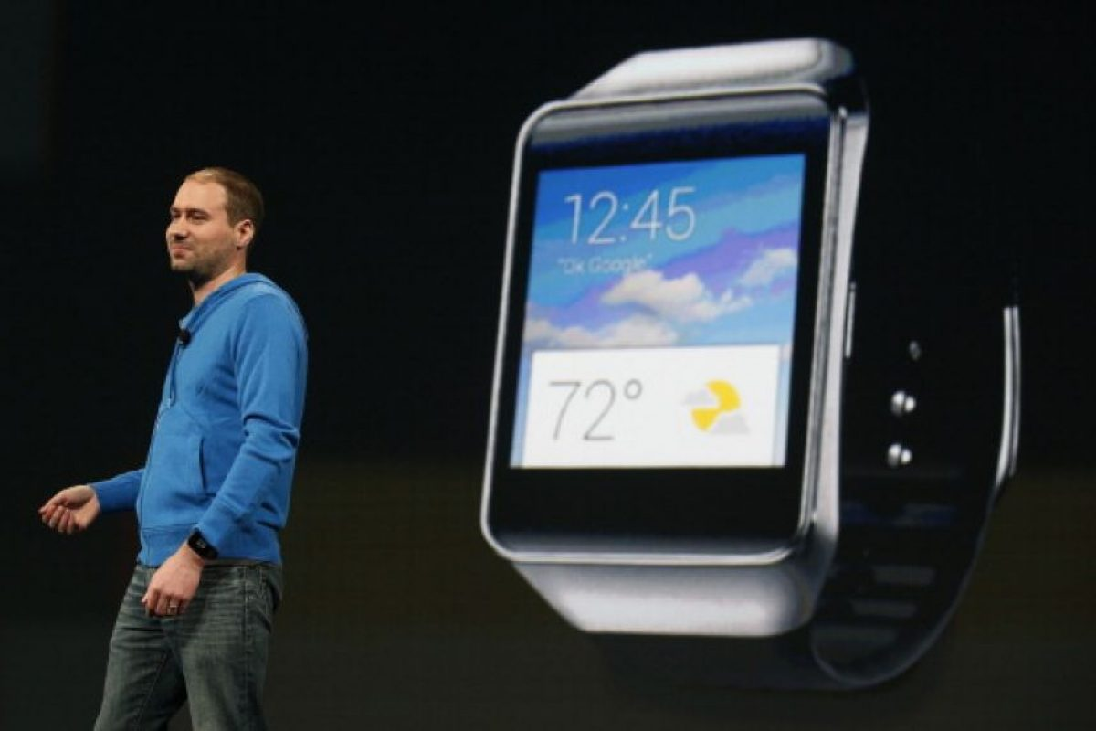 David Singleton, director de Ingeniería en Android, de Google, presenta el Samsung Gear Live Foto: Getty Images