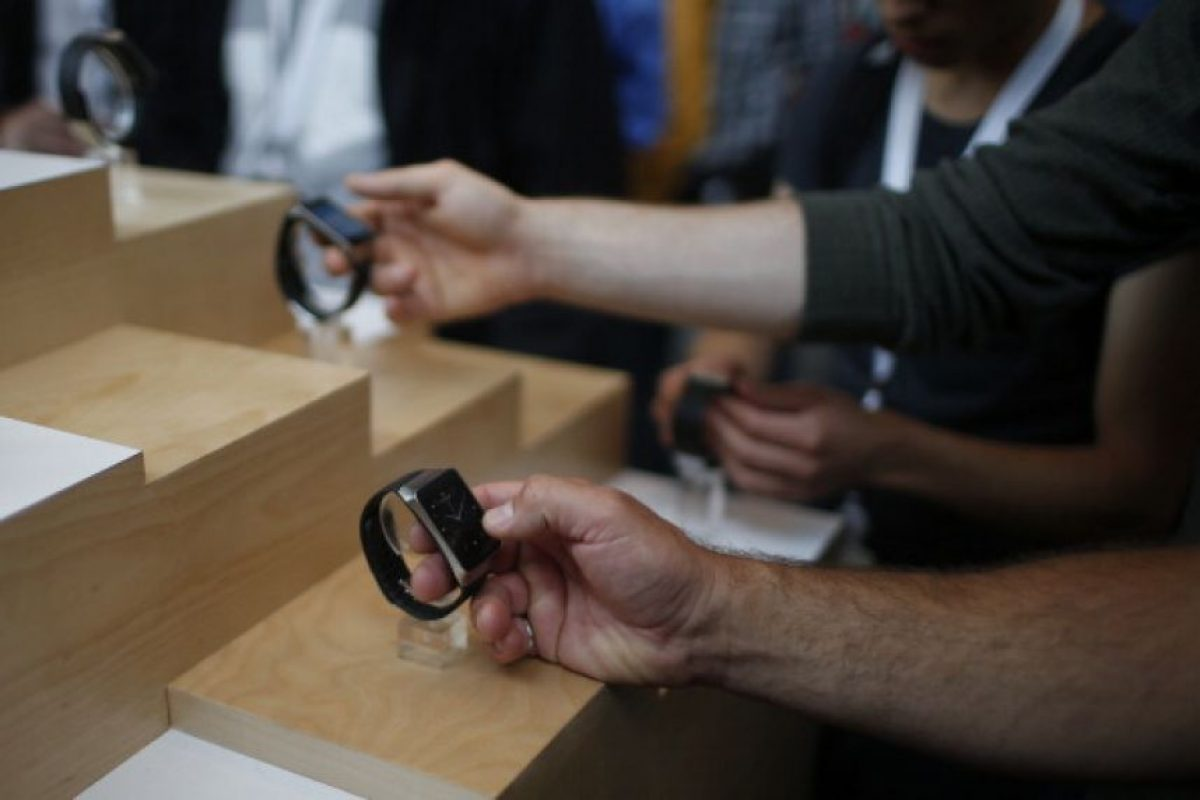 Usuarios interactúan con el Samsung Gear Live Foto: Getty Images