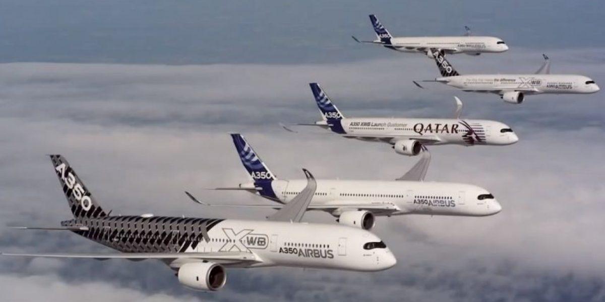 VIDEO: Espectacular vuelo en formación de cinco aviones