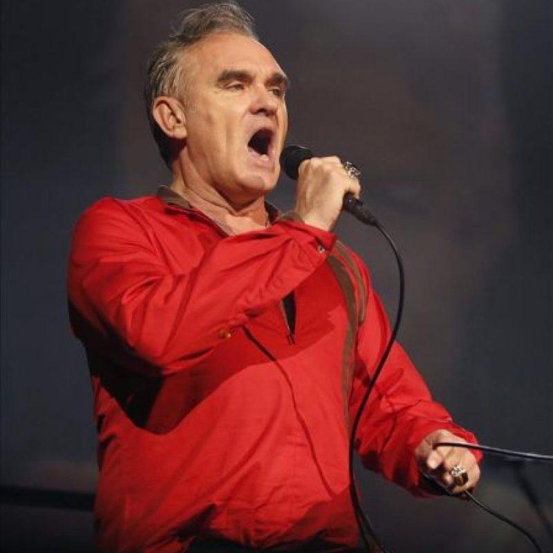 El cantante inglés Morrissey durante su actuación esta noche en Madrid. EFE