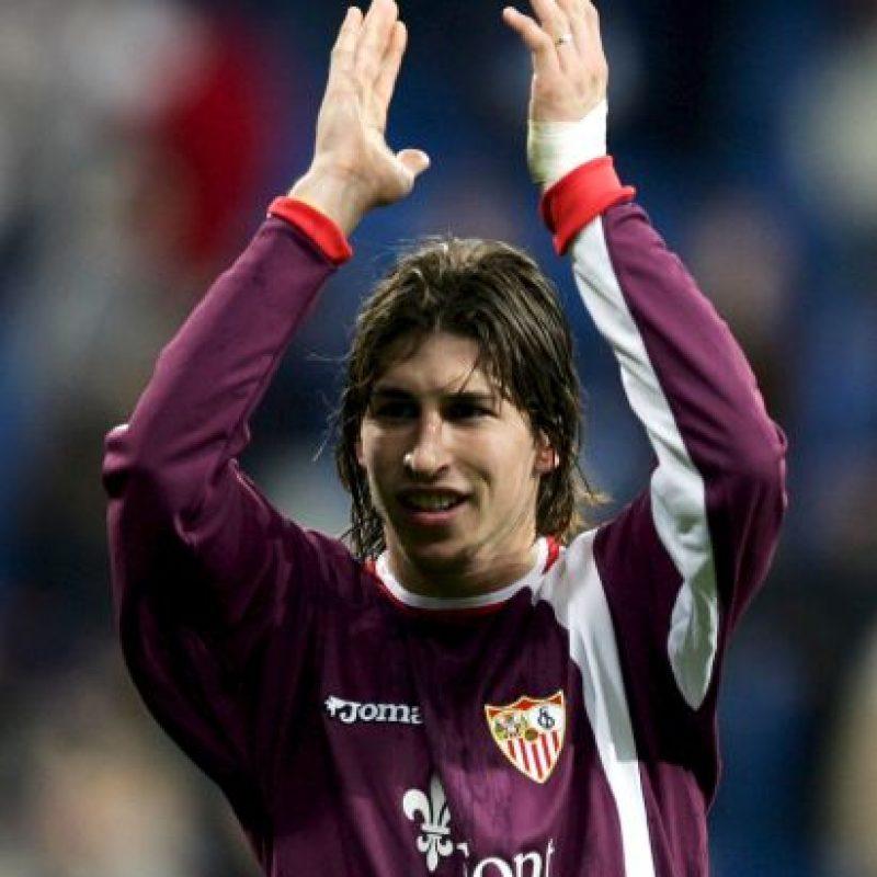 Sergio Ramos tuvo sus primeros partidos como profesional con el Sevilla en 2004 Foto:Getty