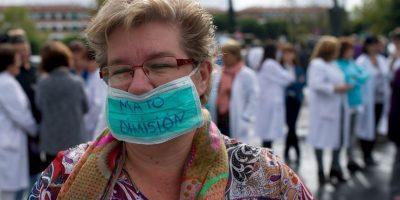 """Médicos y enfermeras del hospital Carlos III, lugar donde se han atendido los casos de Ébola en España, piden la destitución de la funcionaria por su """"incapacidad"""" para mejorar el virus Foto:Getty Images"""
