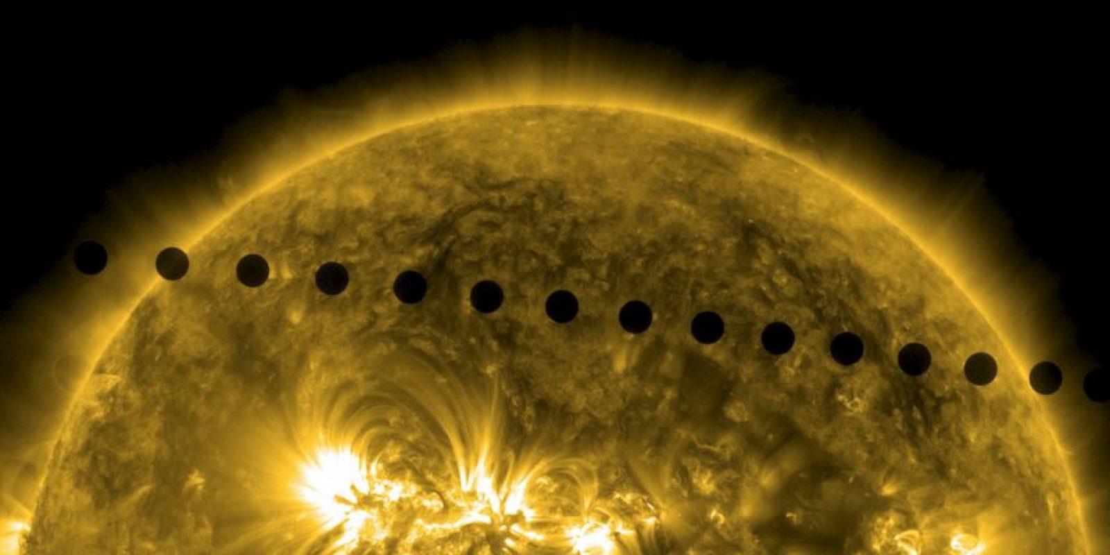 En las siguientes fotografías de junio de 2012 se puede ver el paso de Venus alrededor del sol. Foto:Getty Images