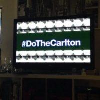 """El famoso baile de Alfonso Ribeiro (""""Carlton Banks"""")se ha vuelto popular en redes sociales, ahora cientos de personas suben sus vídeos bailando con el hashtag """"#DoTheCarlton"""" Foto:Twitter"""