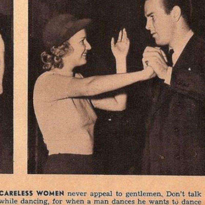 """""""Una mujer delicada nunca habla cuando baila. Deja que el hombre lo haga"""" Foto:Click Photo Parade"""