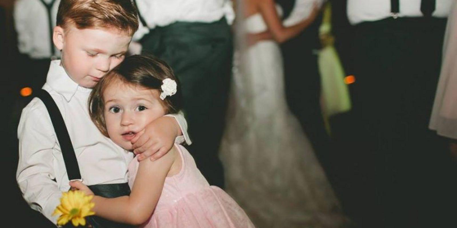 Tiene una hermana pequeña con la que comparte momentos de diversión. Foto:Facebook/Kelly Feikert