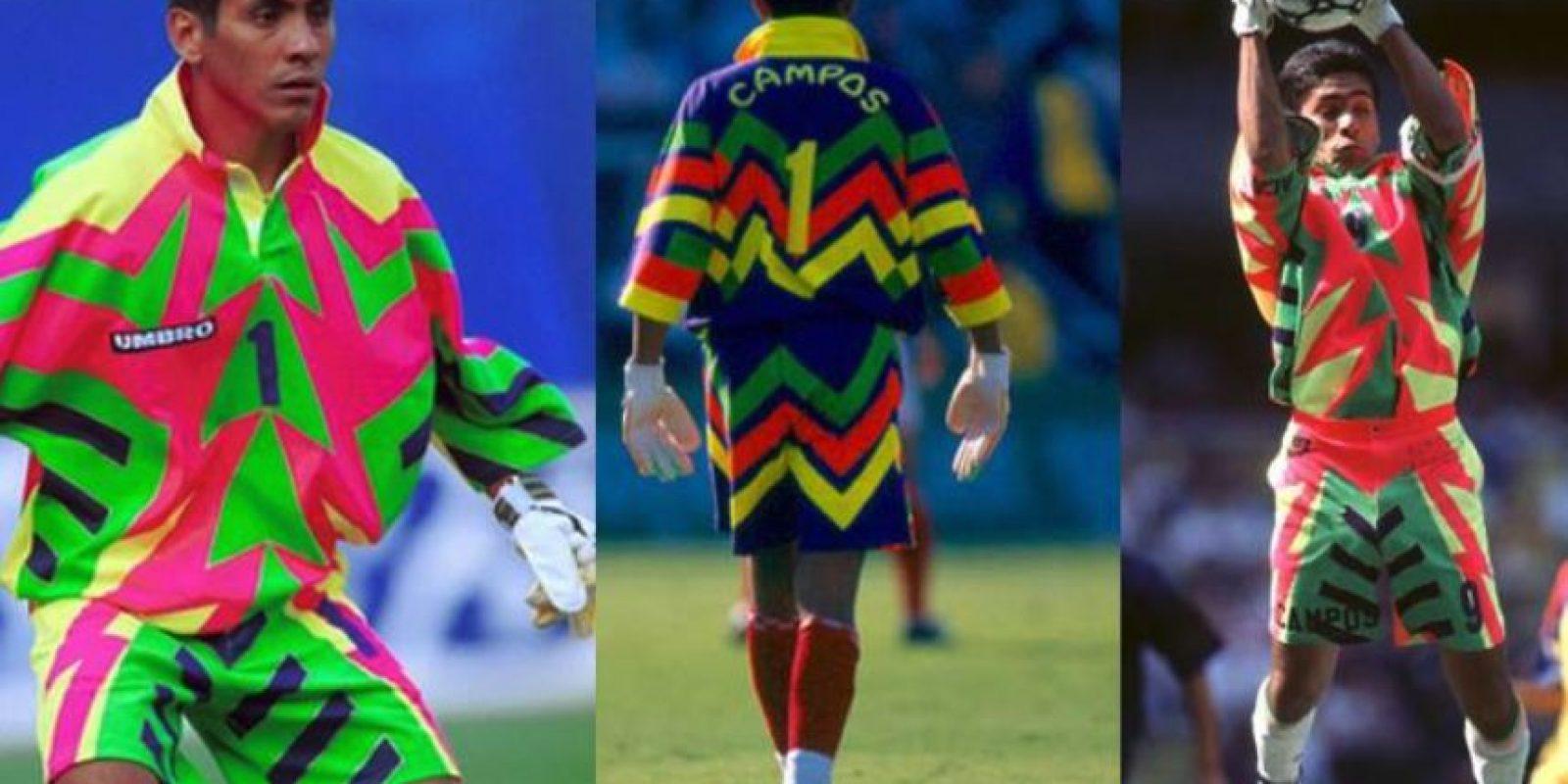 Se basó en los colores que usan los surfistas, para diseñar sus uniformes Foto:Facebook: Jorge Campos