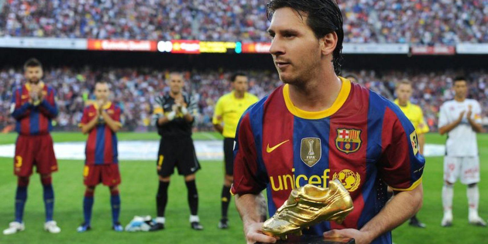 Leo recibiendo la Bota de Oro en 2010. Foto:Getty Images