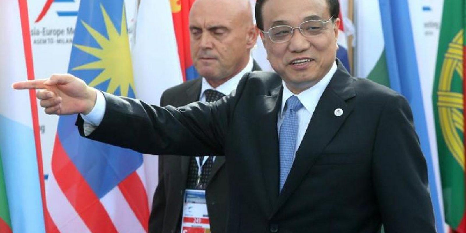 El primer ministro chino Li Keqiang, a su llegada a la cumbre del foro Asia-Europa (Asem), en Milán, Italia. EFE