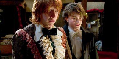 """Según este universo mágico, el libro pertenece a la editorial """"Obscurus Books"""" y cuesta dos galeones en la tienda """"Flourish y Blotts"""". Foto:Facebook/Harry Potter"""