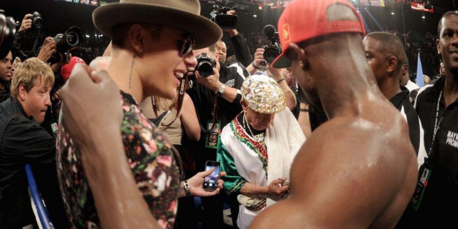 Justin regresó a la escolta de Floyd en mayo de este año, cuando peleó contra Marcos Maidana. Foto:Getty Images
