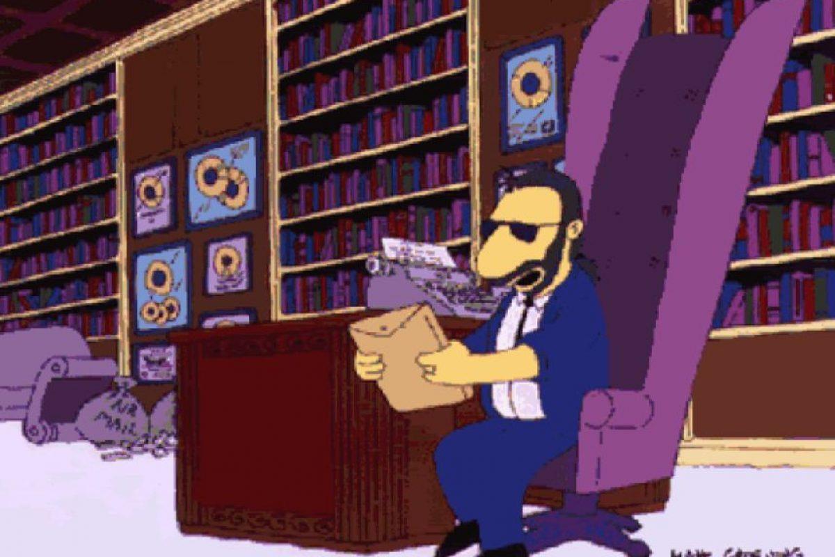 """Ringo responde cartas pasadas a fans En 1991, Ringo Starr apareció en Los Simpson respondiendo correspondencia de sus fans después de décadas. Este año, dos mujeres británicas recibieron la respuesta de Sir Paul McCartney 50 años después de intentar contactarlo con un cassette. El ex Beatle respondió: """"más vale tarde que nunca""""."""