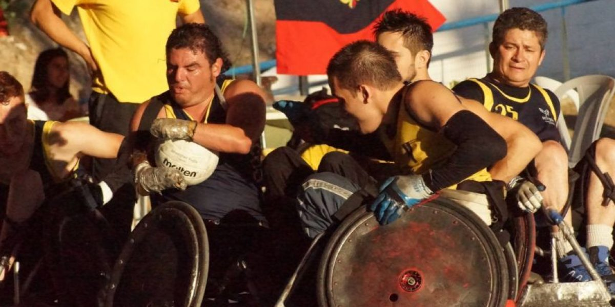 Rugby en silla de ruedas triunfa a pesar de los golpes