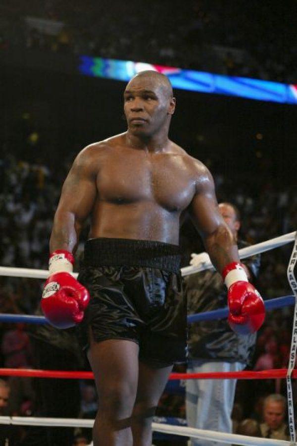 El boxeador estadounidense Mike Tyson, el 8 de junio de 2002, antes de pelear ante el británico Lennox Lewis. Foto:Getty Images