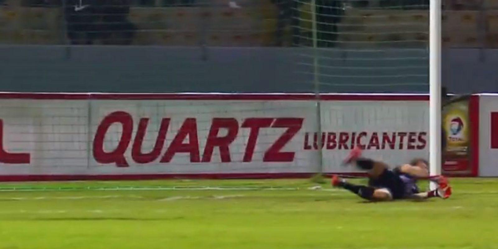 Detuvo el segundo, sexto, séptimo y décimo disparos Foto:Youtube: FootballManiaChannel