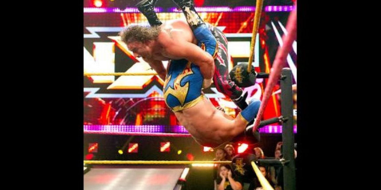 Domina la lucha aéra Foto:WWE