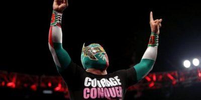 El peleador azteca encabeza la gira de la WWE por México Foto:WWE