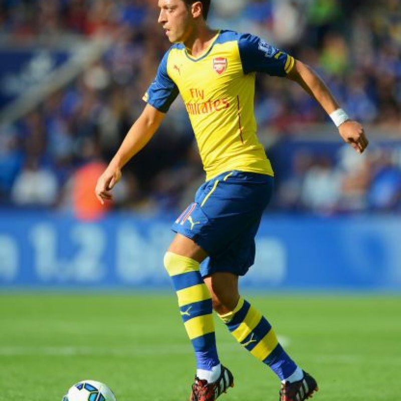 El futbolista del Arsenal se encuentra lesionado Foto:Getty