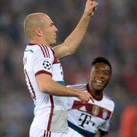 Arjen Robben (i) del Bayern Munich celebra su gol ante la Roma durante un part la Liga de Campeones de la UEFA en el estadio Olímpico de Roma (Italia). EFE