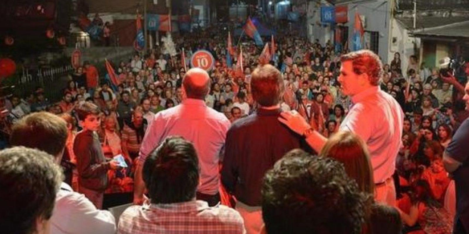 También es hijo de un expresidente. Su padre es el mandatario Juan Maria Bordaberry Foto:@PedroBordaberry