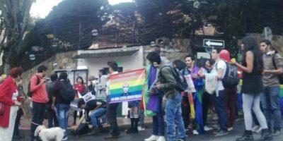 Plantón en la Embajada de Rusia por homofobia. Foto:Twitter