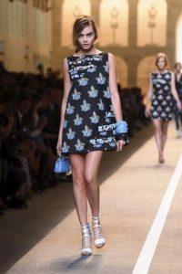 Ha estado en las pasarelas de apareció en pasarelas de Oscar de la Renta, Burberry, Dolce & Gabbana y Fendi Foto:Getty Images