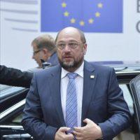 El presidente del Parlamento Europeo Martin Schulz a su llegada a la sede del Consejo de Europa en Bruselas, Bélgica hoy. EFE