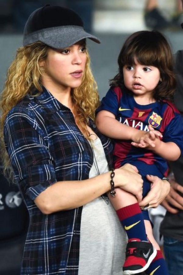 A pesar de su embarazo, Shakira no ha descuidado al pequeño Milan. Foto:Getty Images