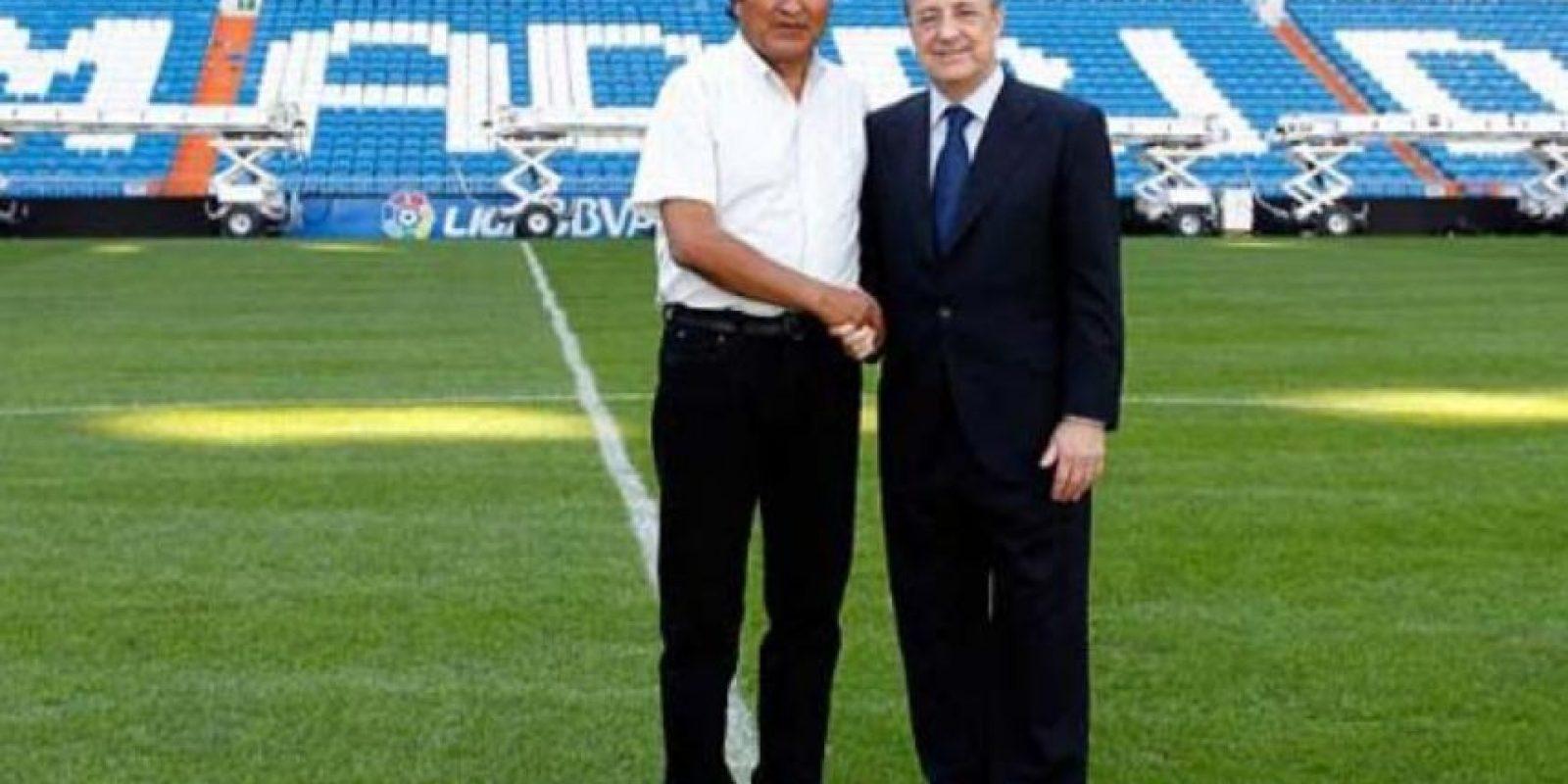 Inclusive pisó el césped del estadio Santiago Bernabéu con Florentino Pérez, presidente del equipo.