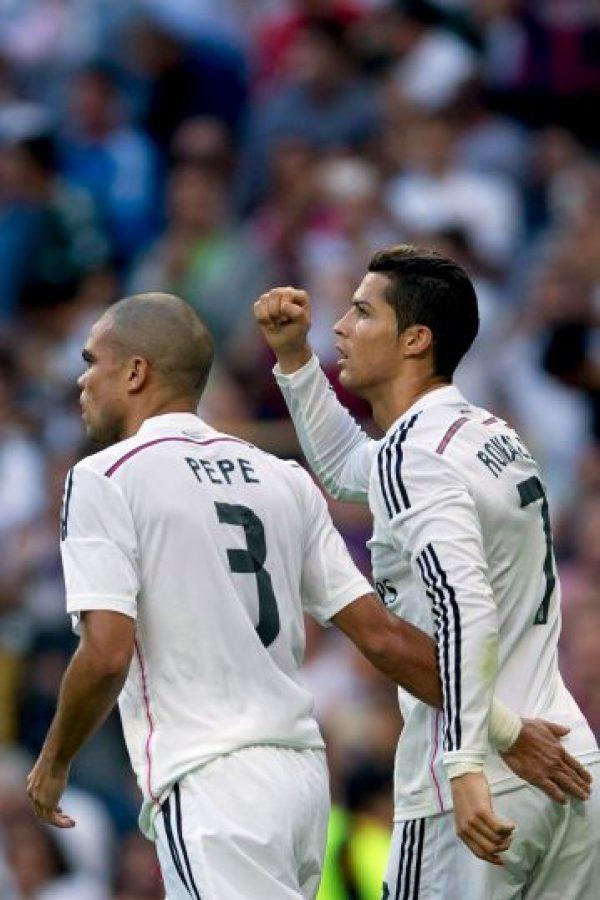 Felicitación de Pepe Foto:Getty Images