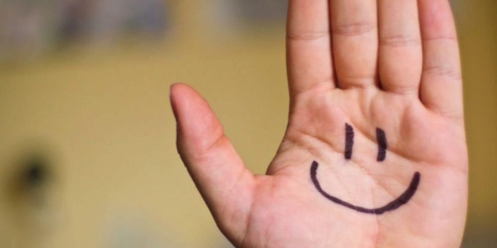 El mal aliento también puede incluír problemas estomacales e indigestión. Foto:Tumblr.com/Tagged/sonrisa