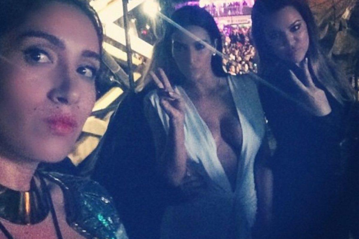Las Kardashian disfrutaron de la noche Foto:Instagram @khloekardashian