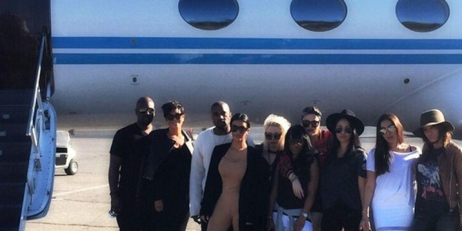 Kim Kardashian y sus invitados Foto:Instagram @khloekardashian