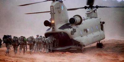 ¡A la boca del helicóptero! Foto:Reproducción.