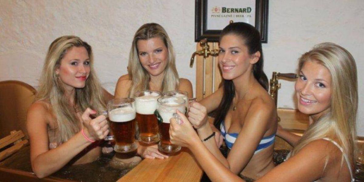 Fotos: ¿Bañarse hasta emborracharse? Es posible en el primer spa de cerveza
