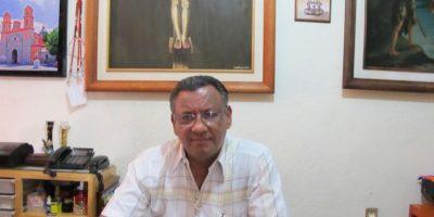 Padre Francisco Javier Tejeda, párroco de la Iglesia de Iguala Foto:Jacobo G. García