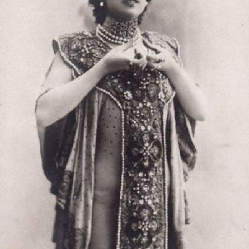 La bella Otero, comienzos de siglo XX. Murió en la ruina luego de tener como amantes a zares y emperadores. Foto:Wikipedia