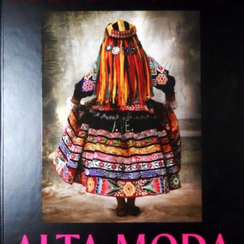 "Mario Testino, por su parte, hizo un libro llamado ""Alta Moda"" Foto:Mario Testino"