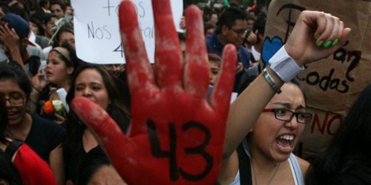 Impera desconfianza entre familiares de normalistas desparecidos en México