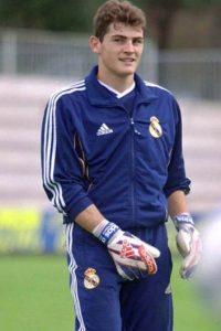Iker Casillas debutó como titular de la portería del Real Madrid en 1999 a los 18 años Foto:Getty