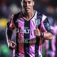 A sus 34 años es la figura del Querétaro de México Foto:Facebook: Ronaldinho Gaucho