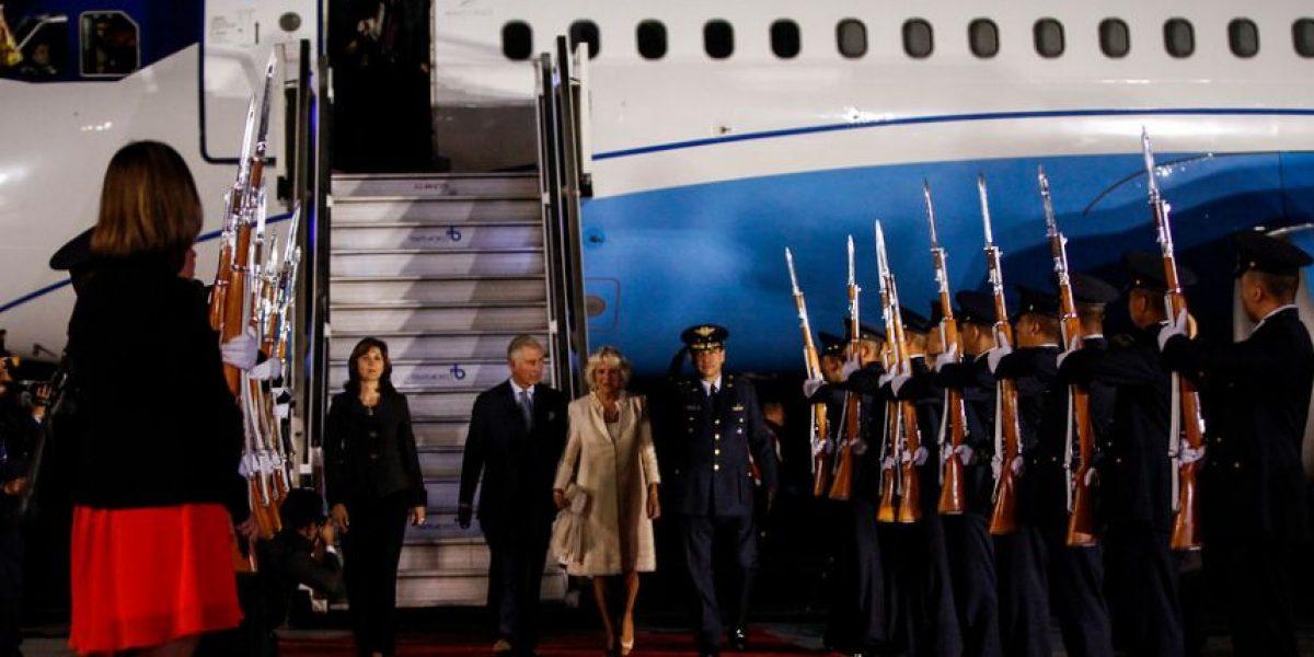 FOTOS: La llegada del principe Carlos a Colombia