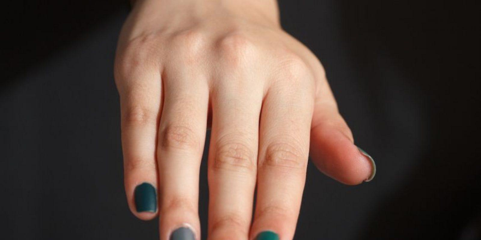 10. Para que las uñas sequen rápido aplíquese unas gotas de aceita de bebé y no ponga tantas capas de esmalte. Foto:Juan Pablo Pino/Publimetro