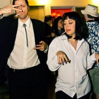 """""""Mia Wallace"""" (Uma Thurman) y """"Vincent Vega"""" (John Travolta) en """"Pulp Fiction"""" Foto:Pinterest"""