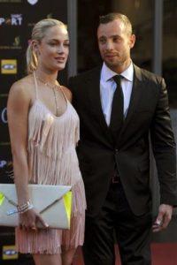 Oscar Pistorius fue sentenciado a cinco años de prisión por el asesinato de Reeva Steenkamp Foto:AP