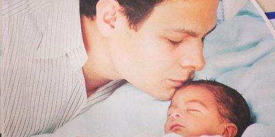 Giovanni Medina con el pequeño Emmanuel Foto:Instagram @giomed1