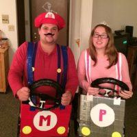 Como Mario Bros y su novia Foto:costume-works.com